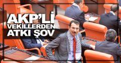 AKP'li  Vekillerden Atkı Şov