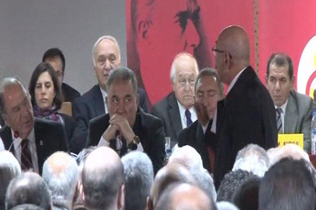 Galatasaray Genel Kurulu'nda Gergin Anlar