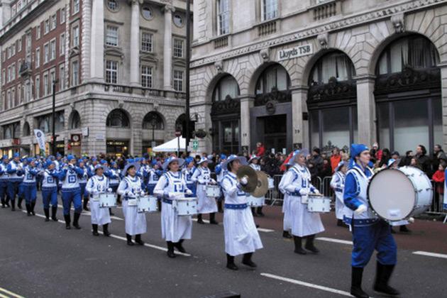 İngiltere'de Yeni Yıl Geçit Töreni