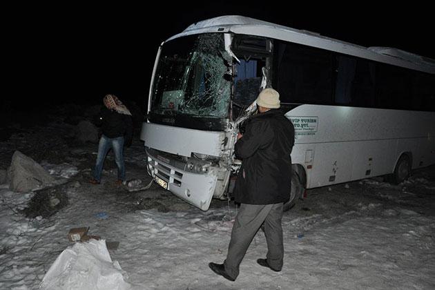 MHP Kongresi Dönüşü Feci Kaza!
