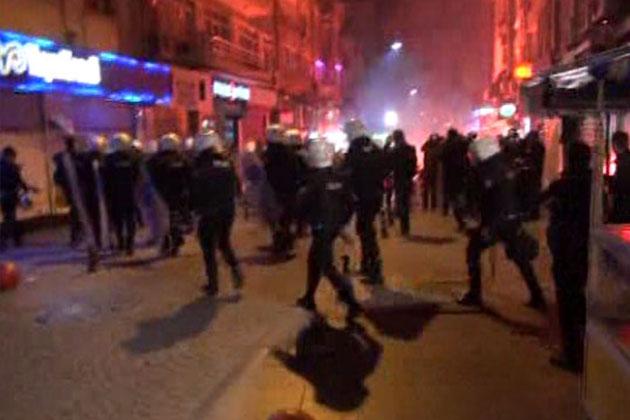 Kadıköy'de Berkin Elvan Yürüyüşü: 2 Polis Yaralı
