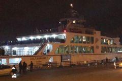 İstanbul'da Feribot Gemiye Çarptı!