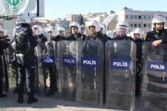Üniversitede 'Yılbaşı' Kavgası: 18 Gözaltı!