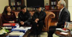 Kılıçdaroğlu O Liseliyi Makamında Kabul Etti