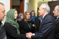CHP Liderinden Kenan Kumaş'ın Ailesine Ziyaret