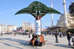 İstanbul'da Solar Panelli Banklar Boş Kalmıyor