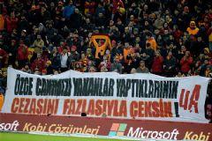 Galatasaray-Balıkesirspor Tribünlerinden Özgecan Pankartı!