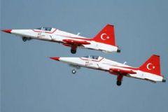 Türk Yıldızları'nın 2015 Gösteri Takvimi Belli Oldu