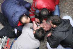 Kaza Yapan Doktoru Ölümden Vatandaşlar Kurtardı