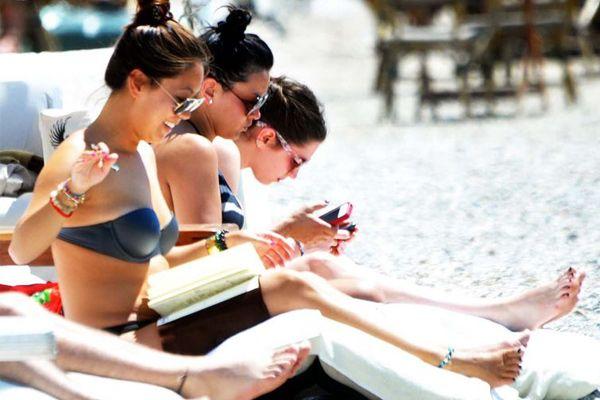 Islak Bikiniyle Durmanın Zararları