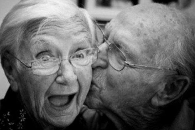 Çılgın Teyze 92 Yaşında Huzurevinden Sevgilisine Kaçtı