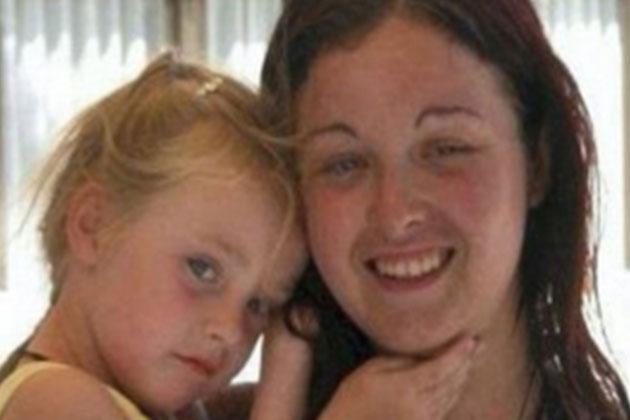 2 Çocuk Annesi Kadın, Her Gün 3 Kez Traş Oluyor