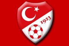 Hollanda-Türkiye Maçı İlk 11'leri