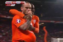 Berna Laçin Sneijder'ın Gol Sevincini Yanlış Anladı