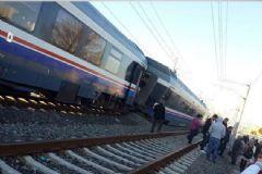 İzmir'de Tren Raydan Çıktı: Yaralılar Var