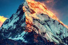 Çin Hızlı Tren İçin Everest'i Delecek