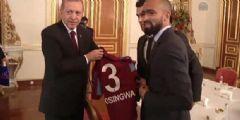 Erdoğan'dan Trabzonspor Kaptanını Şaşırtan Çıkış: Senin Göbekte İşin Yok