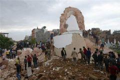 Nepal'de 7,9 Şiddetinde Deprem