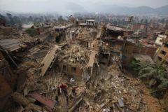 Nepal Depreminde Bilanço Ağırlaşıyor