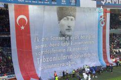 Avni Aker'de Dev Atatürk Pankartı