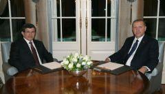 Erdoğan: Davutoğlu'nun İzin Alması Gereken Kişi Benim