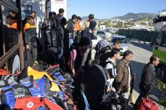 Edirne'de Yurt Dışına Gitmeye Çalışan 126 Kaçak Yakalandı
