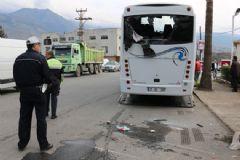 Çevik Kuvvet Polisleri Kaza Yaptı: 17 Yaralı