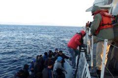 Ege'de 307 Göçmen Kurtarıldı