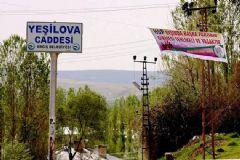 PKK'dan Van Erciş'te Tehdit Pankartları
