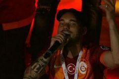 Sneijder'dan Ağlama Fener Tezahüratı