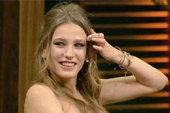Serenay Sarıkaya Beyaz Show'a Damga Vurdu