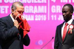 Cumhurbaşkanı Erdoğan'a Uganda'dan Anlamlı Hediye