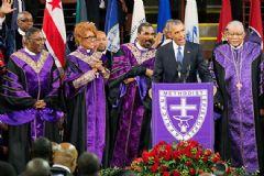 Obama Kilisede İlahi Söyledi