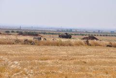 Sınır Hattına Zırhlı Araçlar Yerleştirildi