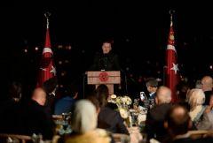 Erdoğan'ın İftarına Katılan Ünlülere Sosyal Medyadan Yorum Yağdı