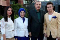 Mustafa Ceceli Cumhurbaşkanı'nın Verdiği iftarda Ezan Okudu