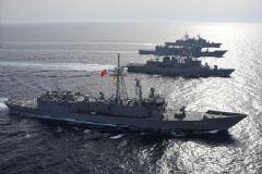 Türk Savaş Gemileri Kıbrıs'a Gitti