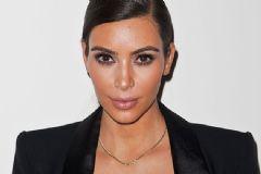 Kim Kardashian Makyajsız Fotoğrafını Yayınladı