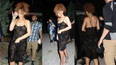 Rihanna Sütyensiz Yakalandı