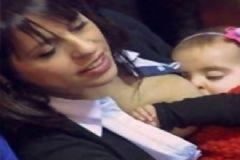 Kadın Milletvekili Meclis'te Bebeğini Emzirdi