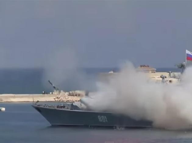 Rus Donanması Gövde Gösterisinde Rezil Oldu
