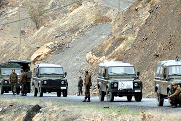 Diyarbakır'da Askeri Konvoya Saldırı: 3 Asker Yaralı