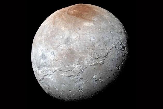Plüton'un Uydusunun Yeni Fotoğrafları Yayınlandı
