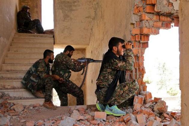 ABD, YPG'ye 50 Ton Silah İndirdi