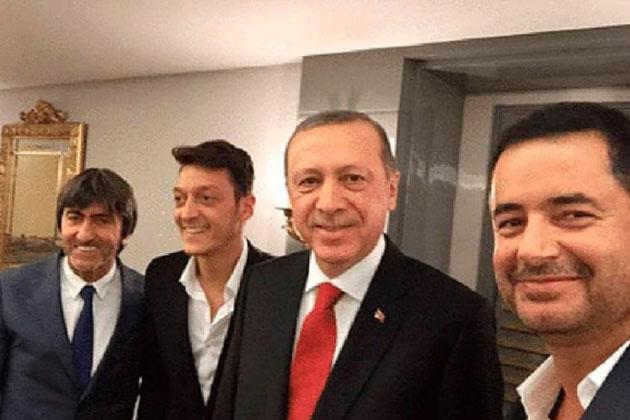 Acun Ilıcalı ve Mesut Özil Erdoğan'ı Ziyarete Gitti