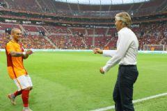 Galatasaraylı Futbolculardan Mancini'ye 4 Yıldızlı Gönderme