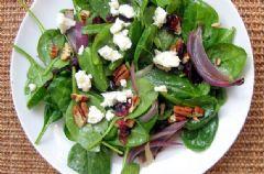 Diyet Yemek Tarifleri -  Parmesan Peynirli Ispanak Salatası