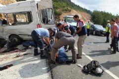 Balıkesir'de Feci Kaza: 11 Ölü 30 Yaralı