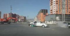 Kaza Anında Arabadan Fırladı
