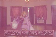 Hande Yener Hastanelik Oldu